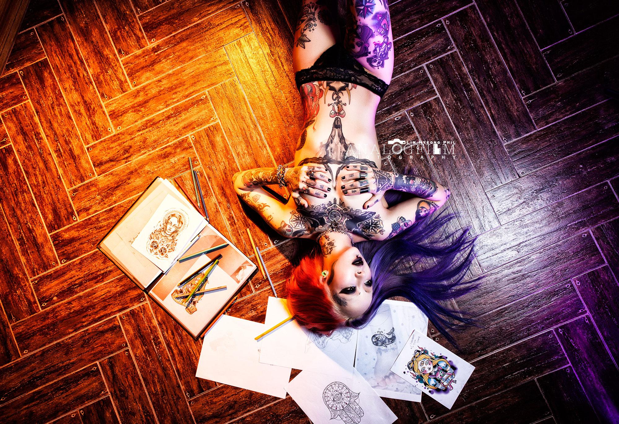 타투이스트,타투,tattoo,tattooist,inked,inked girl,컨셉화보,컨셉프로필,퇴폐미,프로필촬영,프로필사진,마약,술,담배,바디프로필,3